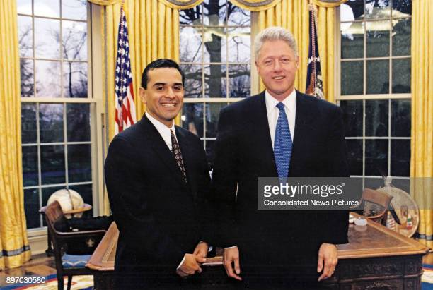 American politicians California State Assembly Speaker Antonio Villarraigosa and US President Bill Clinton pose together in the White House's Oval...