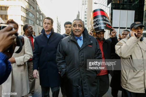 American politicians Congressmen Charles Rangel and Anthony Weiner among others participate in the 'Shopping for Justice' march on 5th Avenue New...