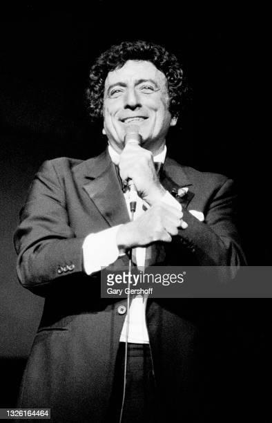 American Pop & Jazz singer Tony Bennett performs onstage at Radio City Music Hall, New York, New York, May 10, 1986.