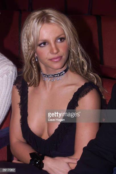 American pop star Britney Spears attends the MTv music video awards on September 7 2000 in New York