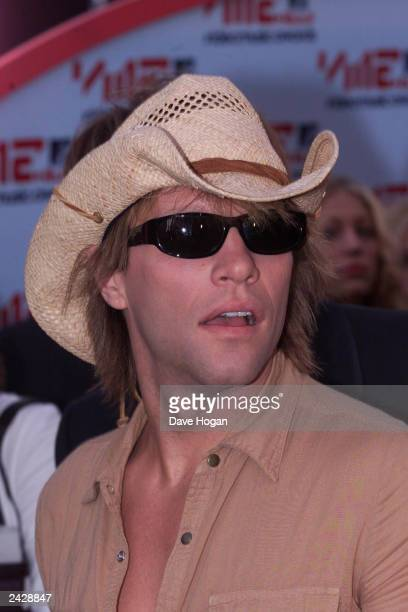 American pop star Jon Bon Jovi arrives at the 2001 MTV Video Music Awards held at the Metropolitan Opera House at the Lincoln Center on September 6...