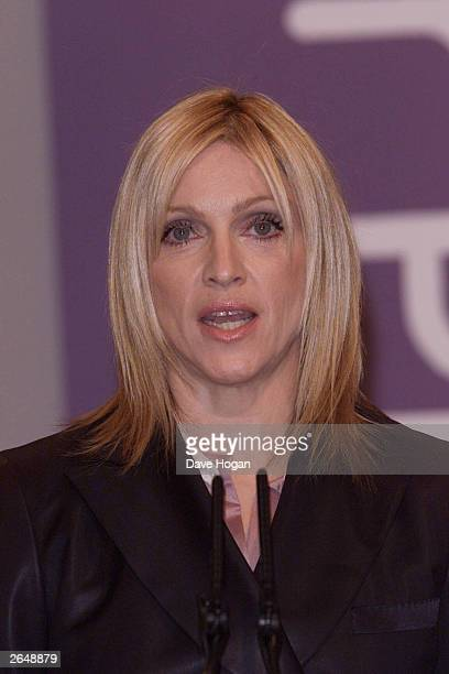 American pop star Madonna presents the award of the Turner Prize at the Tate Gallery on December 9 2001 in London