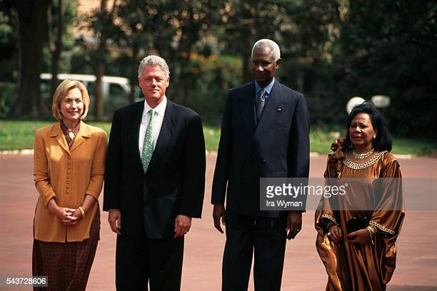 American President Bill Clinton and wife Hillary are welcomed by President of Senegal Abdou Diouf and wife Elisabeth
