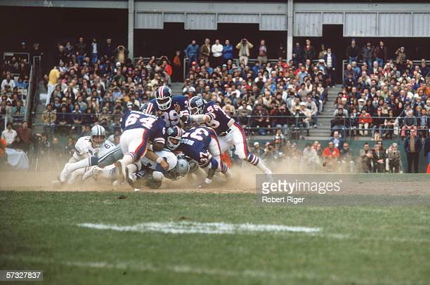 American professional football team the New York Giants plays against the Dallas Cowboys New York October 12 1975 The Cowboys won 13 7 Identifiable...