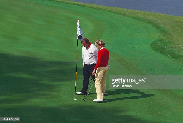 American professional golfer Craig Stadler misses a key 18inch putt at the 18th during the 1985 Ryder Cup at the Brabazon Course of The Belfry in...