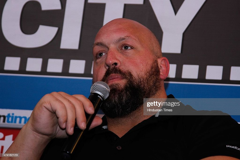 WWE Wrestling Superstar Big Show Interacts With Fans At Hindustan Times Office : News Photo