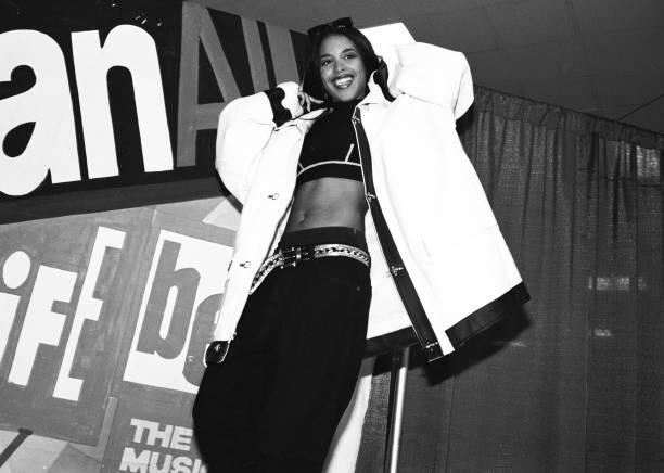 UNS: 25th August 2001 - Aaliyah Dies In Plane Crash