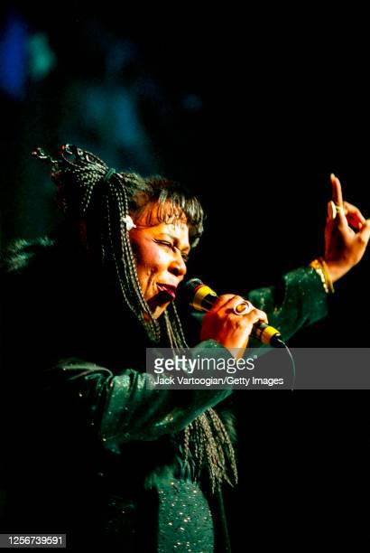 American RB singer Betty Wright performs onstage during the 2000 Rhythm Blues Foundation Pioneer Awards at Hammerstein Ballroom New York New York...