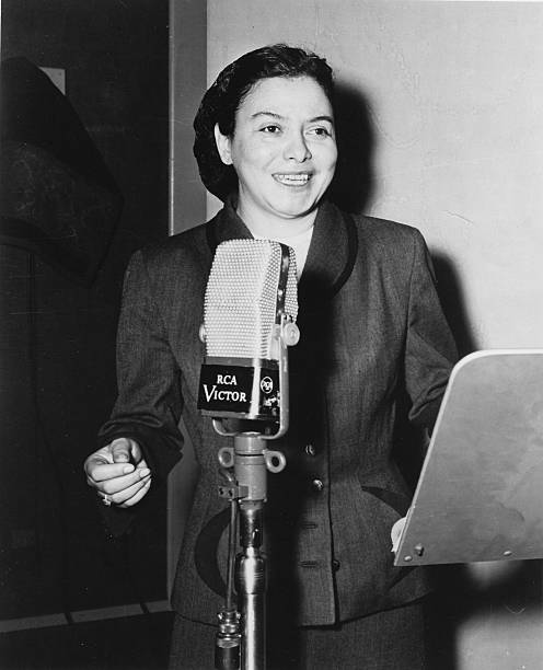 LA: 21st August 1915 - Singer Savannah Churchill Is Born
