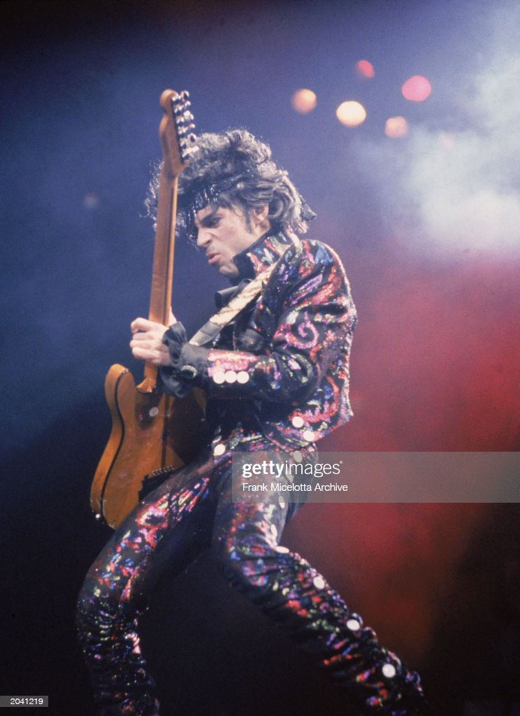 Prince Plays Guitar In Concert : News Photo