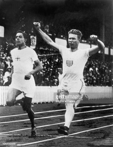 American runner Charley PADDOCK wins the 100m dash at the Olympic Games of Anvers on August 26 1920
