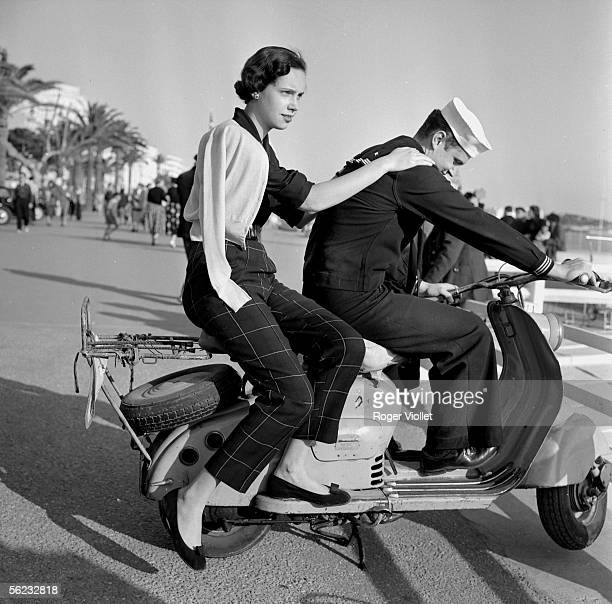 American sailor on a scooter Croisette of Cannes about 1955 RV855870