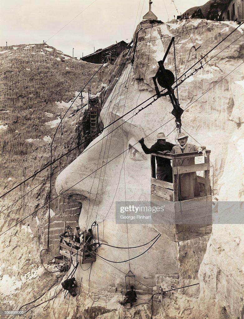 Gutzon Borglum Overseeing Mount Rushmore Construction : News Photo