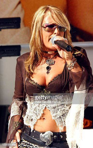 American singer Anastacia during her live performance to promote her new album 'Freak of Nature' at Darling Harbour on April 13 2002 in Sydney...