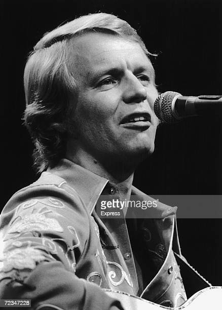 American singer and actor David Soul in concert 17th March 1977