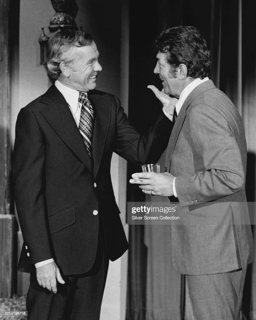 American singer and actor Dean Martin (1917 - 1995, right) with television host Johnny Carson (1925 - 2005, left), circa 1975.