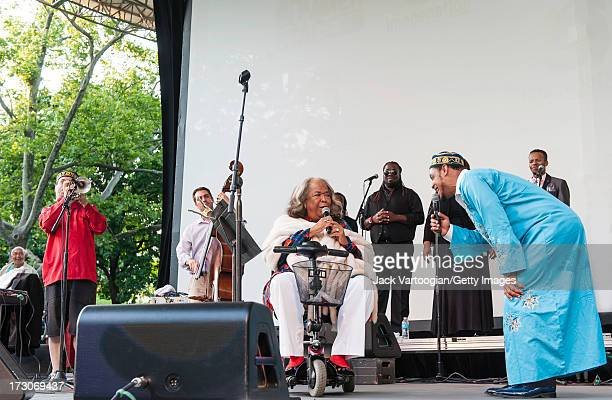 American singer and actress Della Reese performs with jazz musician Frank London gospel singer and Hebrew teacher Joshua Nelson and the Kosher Gospel...