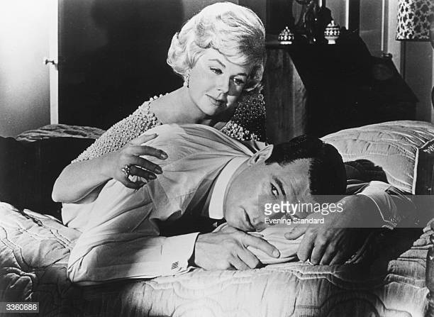 American singer and actress Doris Day with the American actor Rock Hudson in the film 'Lover Come Back'.