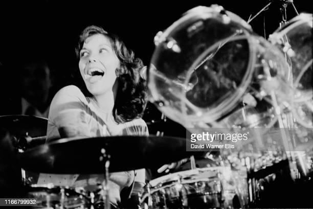 American singer and drummer Karen Carpenter of pop band The Carpenters circa 1975