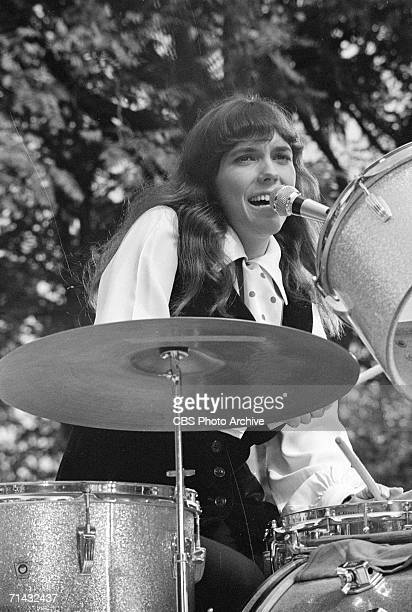 American singer and musician Karen Carpenter a member of the musical duo 'The Carpenters' performs on an episode of the CBS Television variety show...