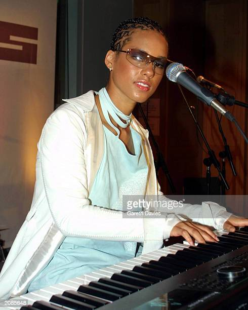 American singer and songwriter Alicia Keys performs at a European press conference hosted by David Lamy the youngest MP in the House of Commons held...