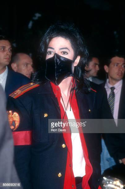 American singer and songwriter Michael Jackson wears a black mask before the 1996 World Music Awards on May 7 1996 at Salle des Etoiles in Monte...