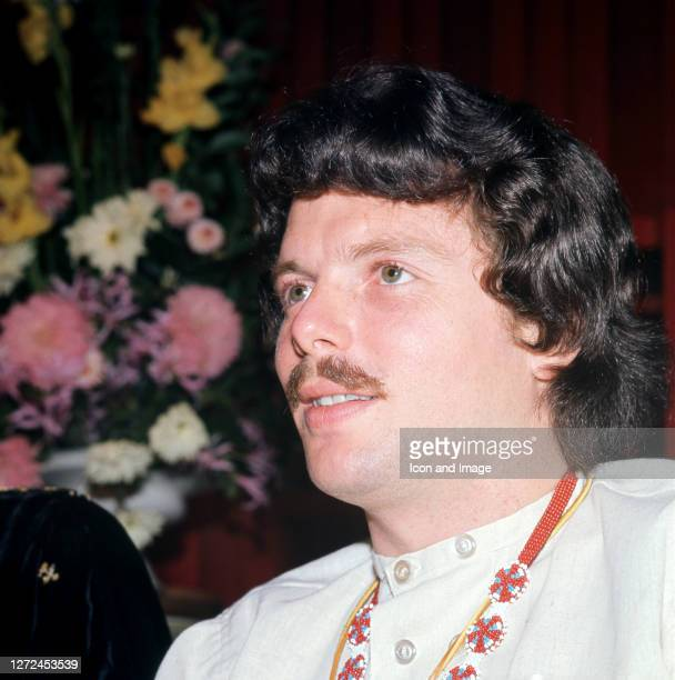 American singer and songwriter Scott McKenzie poses for a portrait circa 1966 in London England