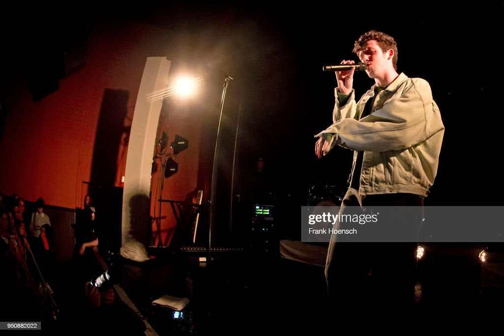 Lauv Performs in Berlin
