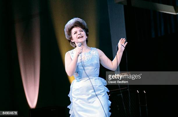 Photo of Brenda LEE Brenda Lee performing on stage