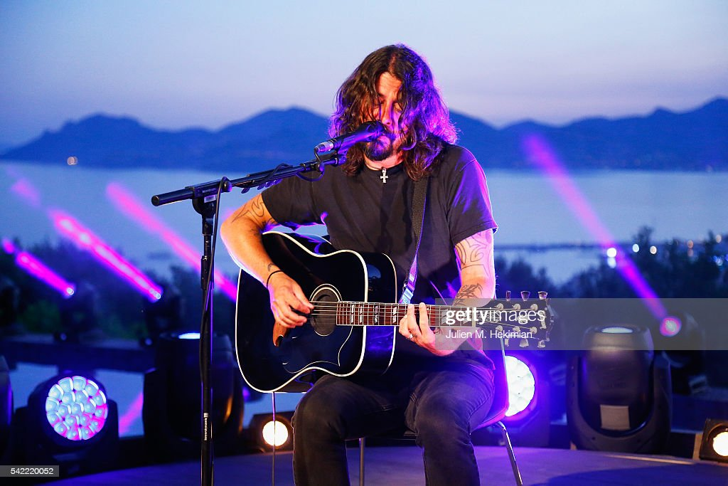 American Singer Dave Grohl performs on stage during the Live Nation And Citi Special Evening At Cannes Lions on June 22, 2016 in Cannes, France.