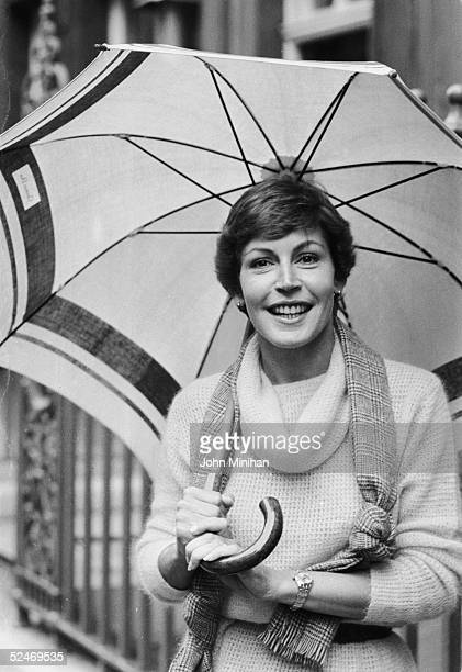 American singer Helen Reddy in London, where she will be performing at the Palladium, May 1978.