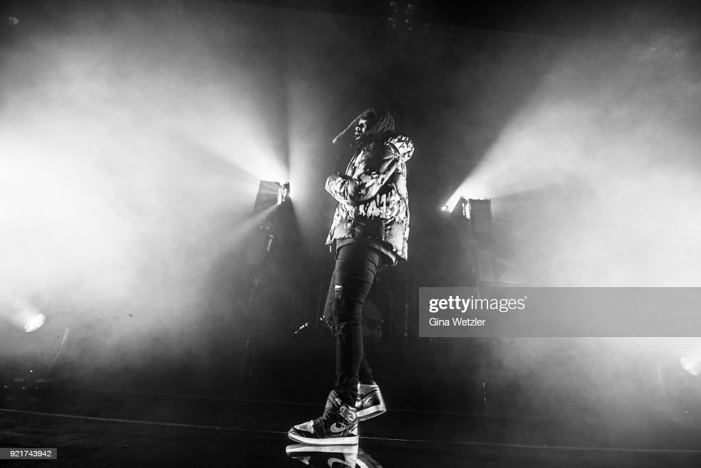 American singer Jahron Anthony Brathwaite aka PartyNextDoor performs live on stage during a concert at the Astra on February 20, 2018 in Berlin, Germany.