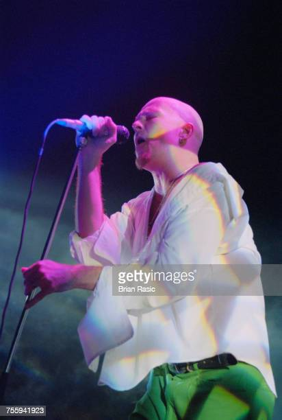 American singer Scott Weiland of Stone Temple Pilots performs live on stage with the band in London in October 1994
