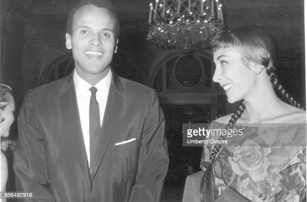 American singer songwriter and actor Harry Belafonte with his wife Julie Robinson in Rome in 1958