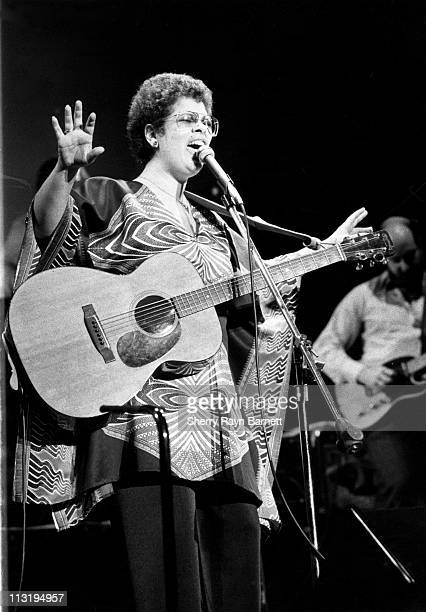 American singer, songwriter, and guitarist Phoebe Snow performs live at the Santa Monica Civic Auditorium in October 1976 in Santa Monica, California.