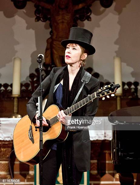 American singer Suzanne Vega performs live during a concert at the Passionskirche on September 30 2016 in Berlin Germany