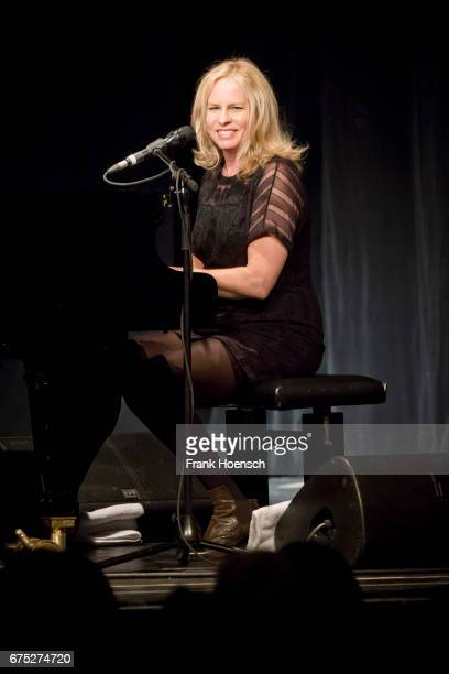 American singer Vonda Shepard performs live on stage during a concert at the Heimathafen Neukoelln on April 30, 2017 in Berlin, Germany.