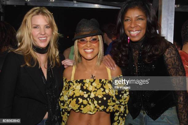 Diana Krall Anastacia and Natalie Cole pose for the cameras after the Royal Variety Performance attended by the Prince of Wales * 12/12/02 Musician...
