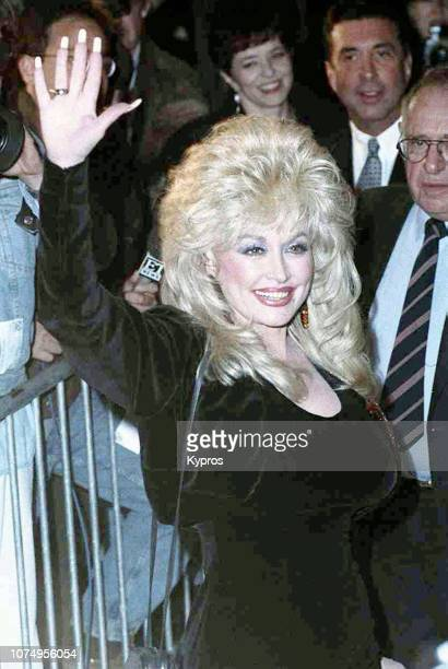 American singersongwriter and musician Dolly Parton attends the Sixth Annual Commitment to Life Gala to Benefit AIDS Project Los Angeles at Universal...