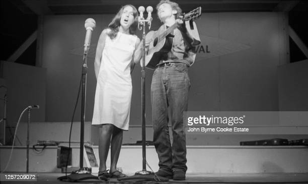 American singer-songwriter, author, and visual artist Bob Dylan and American singer and musician Joan Baez at Newport Folk Festival, 28th July 1963.