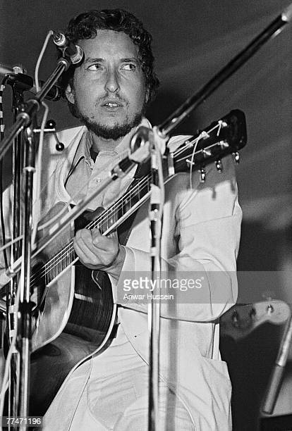 American singer-songwriter Bob Dylan on stage at the Isle of Wight Festival in Wootton, 31st August 1969.