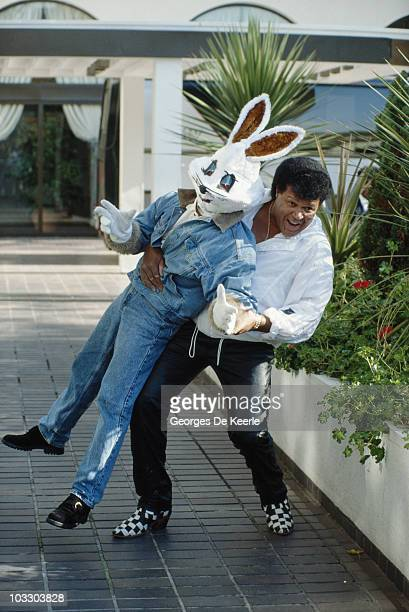 American singersongwriter Chubby Checker with Jive Bunny circa 1989 Jive Bunny The Mastermixers had produced a version of Checker's song 'The Twist'...