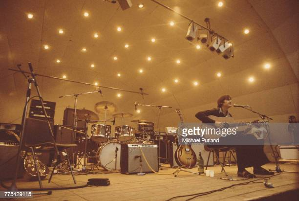 American singersongwriter James Taylor performs at the Crystal Palace Garden Party festival at the Crystal Palace Bowl in London on 15th September...