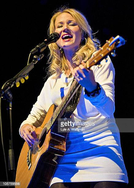 American singer-songwriter Jewel performs during the Chicago Country Music Festival at the Jay Pritzker Pavilion at Millennium Park on October 9,...