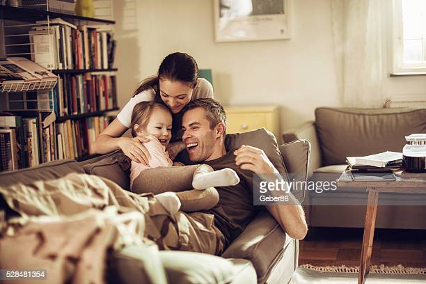 american soldier finally at home with his family - arrival stock pictures, royalty-free photos & images