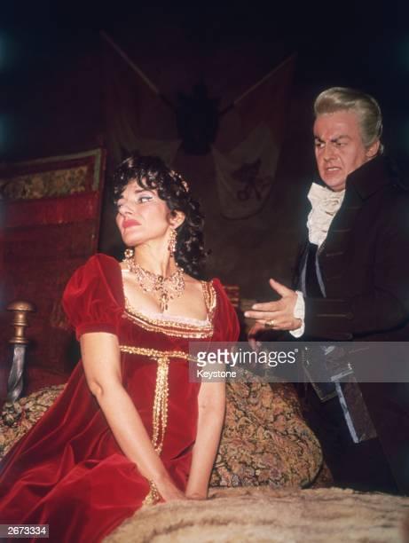 American soprano Maria Callas and Tito Gobbi in Puccini's opera 'Tosca' produced by Franco Zeffirelli at Covent Garden, London.