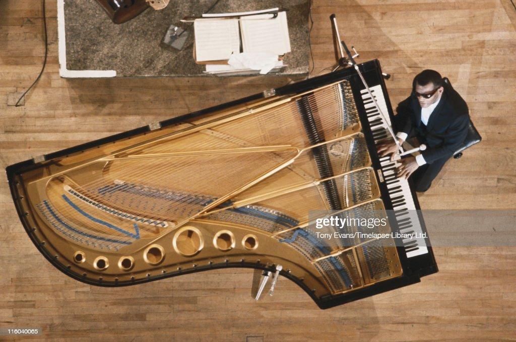 Ray Charles At The Piano : News Photo