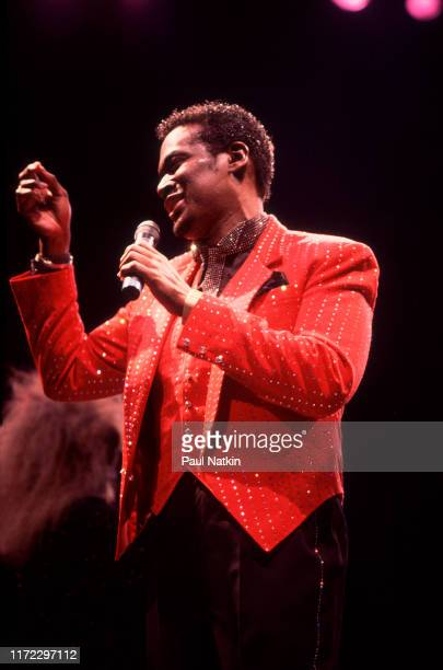 American Soul and RB singer Luther Vandross performs onstage at the Rosemont Horizon Rosemont Illinois April 1 1986
