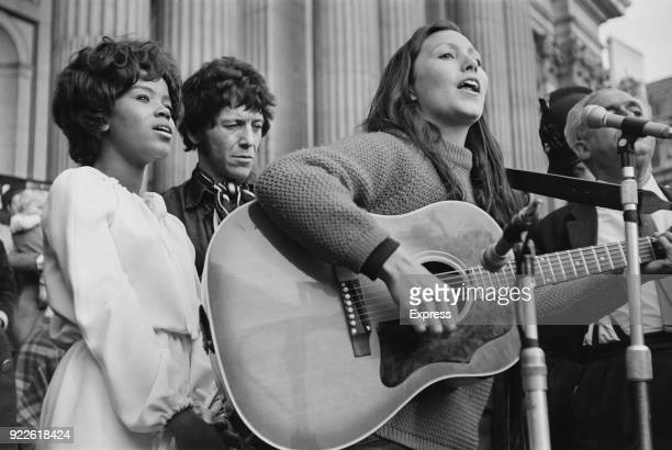 American soul singer PP Arnold AmericanBritish singer Julie Felix sing at an anti HBomb demonstration with British blues musician Alexis Korner near...