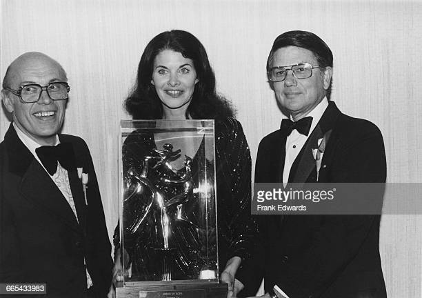 American studio executive and former actress Sherry Lansing who became president of 20th Century Fox in 1980 receives the Award of Hope at a City of...